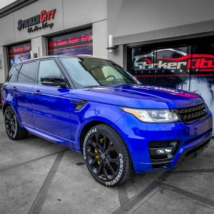 Range Rover wrapped Gloss Cosmic Blue (3)