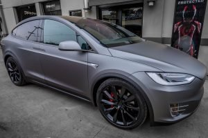 Tesla Model X wrapped Matte Charcoal Metallic (2)